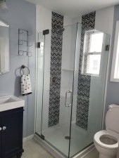 Lake House Great Tippy Location - Right On The Water!, Upstairs Bath, on Lake Tippecanoe in Indiana - Lakehouse Vacation Rental - Lake Home for rent on LakeHouseVacations.com