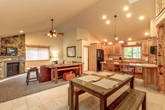 Lake House Get Specials at Owen's Outpost! The BEST Value wSummer Pool Access, , on Lake Cle Elum in Washington - Lakehouse Vacation Rental - Lake Home for rent on LakeHouseVacations.com