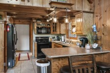 Ad# 12459 lake house for rent on LakeHouseVacations.com, lakehouse, lake home rental, lakehome for rent, vacation, holiday, lodging, lake