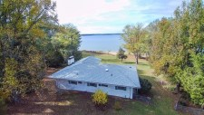 Lake House Favitta Braswell Wonders , , on Kerr Lake / Buggs Island in Virginia - Lakehouse Vacation Rental - Lake Home for rent on LakeHouseVacations.com