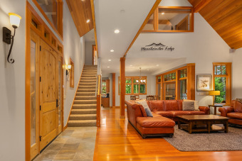 Lake House The Best Family Home in Suncadia! Pool Table * Shuffleboard * Media Room, , on Lake Cle Elum in Washington - Lakehouse Vacation Rental - Lake Home for rent on LakeHouseVacations.com