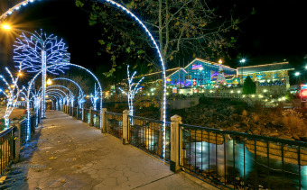 Lake House Classic 3 Bedroom Luxury Log Cabin with 3 baths, 3 Kings and Game Room, , on  in Tennessee - Lakehouse Vacation Rental - Lake Home for rent on LakeHouseVacations.com