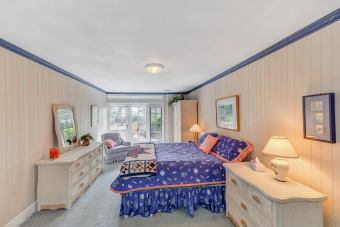 Lake House Incredible 6 Bedroom 6 Bath Oceanfront Lodge with Infinity Edge Pool, , on British Columbia in British Columbia - Lakehouse Vacation Rental - Lake Home for rent on LakeHouseVacations.com