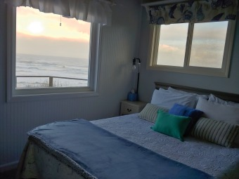 Lake House Experience this pet friendly oceanfront couples retreat in Seal rock!, , on  in Oregon - Lakehouse Vacation Rental - Lake Home for rent on LakeHouseVacations.com