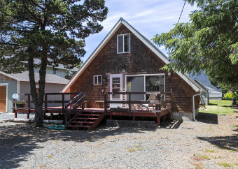 Lake House Enjoy a Romantic Getaway in this A-Frame on the North Side of Nedonna Beach!, , on Lake Lytle in Oregon - Lakehouse Vacation Rental - Lake Home for rent on LakeHouseVacations.com