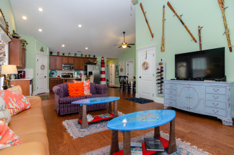 Lake House Charming and Colorful little beach house in the Heart of Carolina Beach, , on Carolina Beach Lake in North Carolina - Lakehouse Vacation Rental - Lake Home for rent on LakeHouseVacations.com