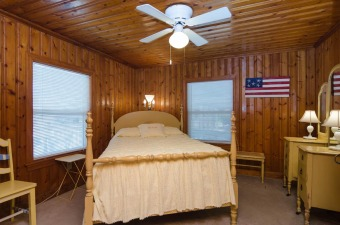 Lake House Experience history and nostalgic charm in this cottage, , on Carolina Beach Lake in North Carolina - Lakehouse Vacation Rental - Lake Home for rent on LakeHouseVacations.com