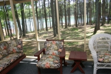 Lake House 2-209c - Coopers Cabin * Low$ * 1 Level * Gas Fireplace * Xlg Screen Porch * 2 Kings, , on Lake Hartwell in Georgia - Lakehouse Vacation Rental - Lake Home for rent on LakeHouseVacations.com