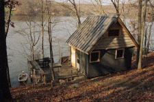 Lake House New Fairfield, Ct - Candlewood Lakefront Cabin For Rent, Cabin in November, on Candlewood Lake in Connecticut - Lakehouse Vacation Rental - Lake Home for rent on LakeHouseVacations.com