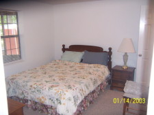 Lake House Lakefront Rental House Tennessee River, Scottsboro, Guntersville, 4 bedrooms with Kig and Queen beds, 2 with 8 bunk beds, on Lake Guntersville in Alabama - Lakehouse Vacation Rental - Lake Home for rent on LakeHouseVacations.com
