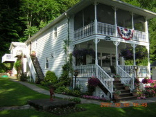 Lake House Lake Carey Waterfront Furnished Rental House In Tunkhannock, , on Lake Carey in Pennsylvania - Lakehouse Vacation Rental - Lake Home for rent on LakeHouseVacations.com