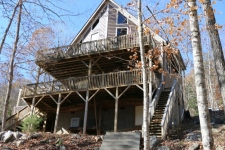 Lake House Suzy Lou Lakefront Getaway - Covered Dock, Hot Tub, Fire Pit & Free Kayaks, , on Norris Lake in Tennessee - Lakehouse Vacation Rental - Lake Home for rent on LakeHouseVacations.com