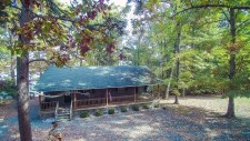 Lake House Hall\'s Place, , on Kerr Lake / Buggs Island in Virginia - Lakehouse Vacation Rental - Lake Home for rent on LakeHouseVacations.com