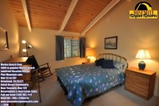 Lake House Super Awesome Location! 500ft Marina Beach Canoe Screened Porch Slps10 Nr Yosemite, Guest bedroom, Queen., on Pine Mountain Lake in California - Lakehouse Vacation Rental - Lake Home for rent on LakeHouseVacations.com