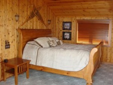 Lake House Lake Webster, Treehouse Island, Weekly Rental, Indiana, King Size Bed in Master Bedroom, on Webster Lake in Indiana - Lakehouse Vacation Rental - Lake Home for rent on LakeHouseVacations.com
