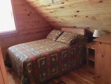 Lake House Southern Cedar Log Cabin New 2015, upstairs bedroom full, on Lake Barkley in Kentucky - Lakehouse Vacation Rental - Lake Home for rent on LakeHouseVacations.com