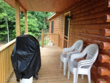 Lake House Southern Cedar Log Cabin New 2015, side deck with grill, on Lake Barkley in Kentucky - Lakehouse Vacation Rental - Lake Home for rent on LakeHouseVacations.com