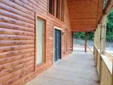 Lake House Southern Cedar Log Cabin New 2015, front wrap around deck, on Lake Barkley in Kentucky - Lakehouse Vacation Rental - Lake Home for rent on LakeHouseVacations.com