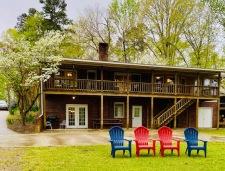 Lake House Roanoke Retreat, , on Kerr Lake / Buggs Island in Virginia - Lakehouse Vacation Rental - Lake Home for rent on LakeHouseVacations.com