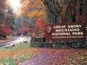 Luxury 5 Bedroom Cabin with Amazing Views - 8 Min to Downtown, 5 Min to Park, on Little Pigeon River, Lake Home rental in Tennessee